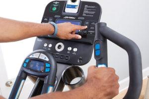 Life fitness e5 elliptical machine review
