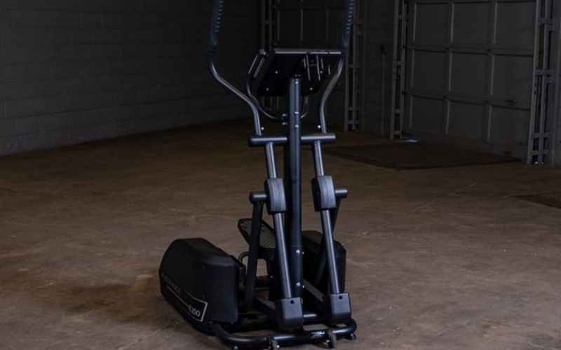 Body-Solid E300 cross trainer